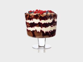 Maxwell and Williams Diamante Footed Trifle Bowl - 21cm